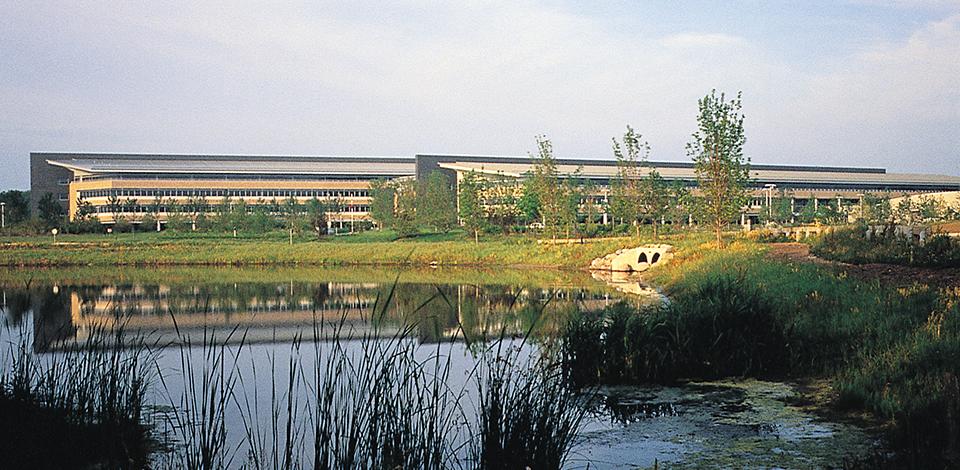 Etonnant Grainger Corporate Headquarters