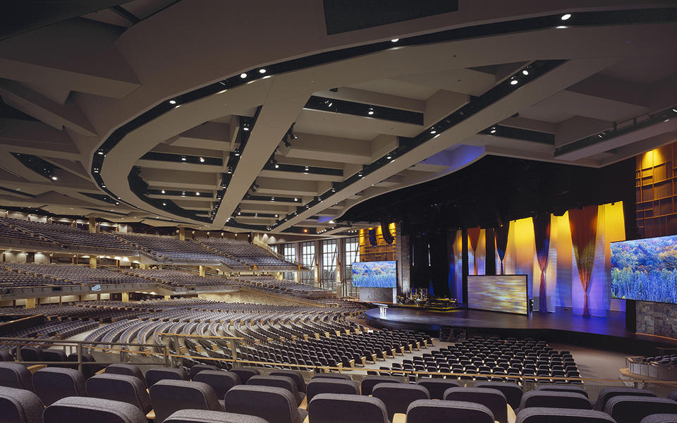Willow-Creek-Auditorium